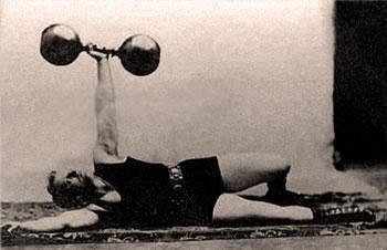 Jeden jediný cvik pro (p)rehabilitaci, stabilitu, mobilitu a sílu? Kettlebell TGU!