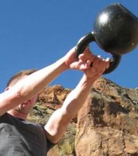 Zlepšení výbušné a maximální síly? Kettlebell swing!