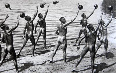 """5 tipů od Kettlebell KB5: Proč je dobré cvičit """"nahý"""""""
