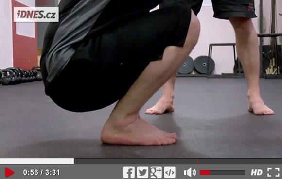 Škola síly (13): Test připravenosti na dřepy na jedné noze [video]