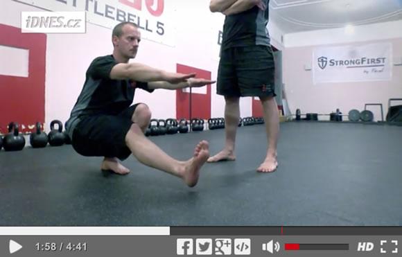Škola síly (14): Jak se dostat do spodní pozice dřepu na jedné noze <p data-wpview-marker=