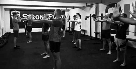 Super Joints – cvičení na kloubní mobilitu od krku až po kotníky.